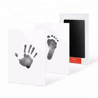 2019 New Amazon Hot Selling Baby Care Non-Toxic Baby Handprint Footprint Imprint Kit Baby Souvenirs Casting Newborn Footprint