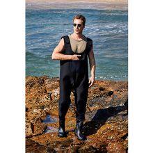 <strong>China</strong> <strong>Manufacturer</strong> PVC fishing waders black fly fishing clothes for Men