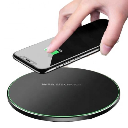 Profession Corporate Gift Custom Design 10 <strong>W</strong> Fast Charging 5V 2A Metal Wireless Charger