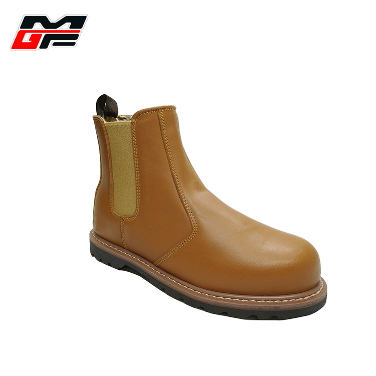 Genuine nubuck leather men shoes goodyear welted construction comfortable rigger boots