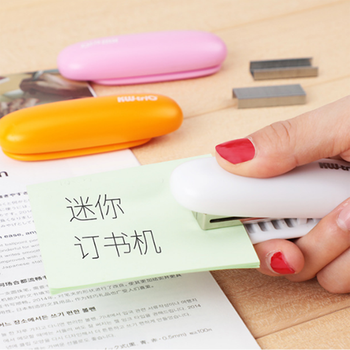 Creative funny mini 24/6 Manual pocket stapler for office