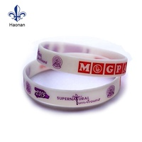 Promotional bulk cheap cool silicone magnetic wristband charm bracelet