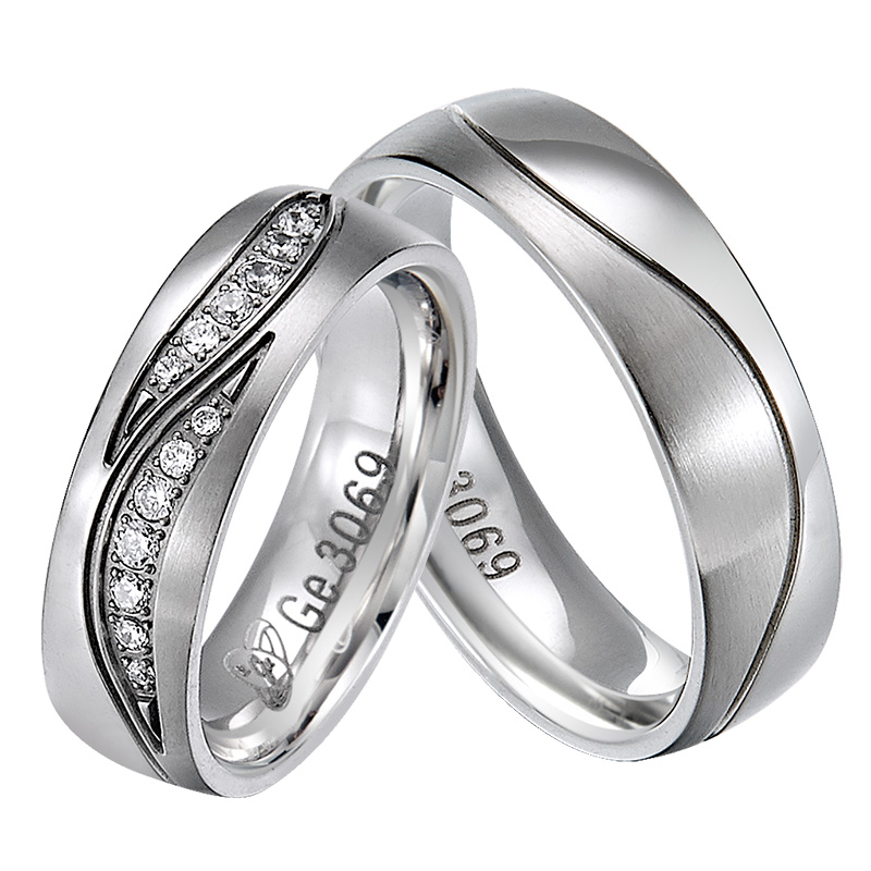 oumeide customized- trendy fashion jewelry wave brass wedding band rings