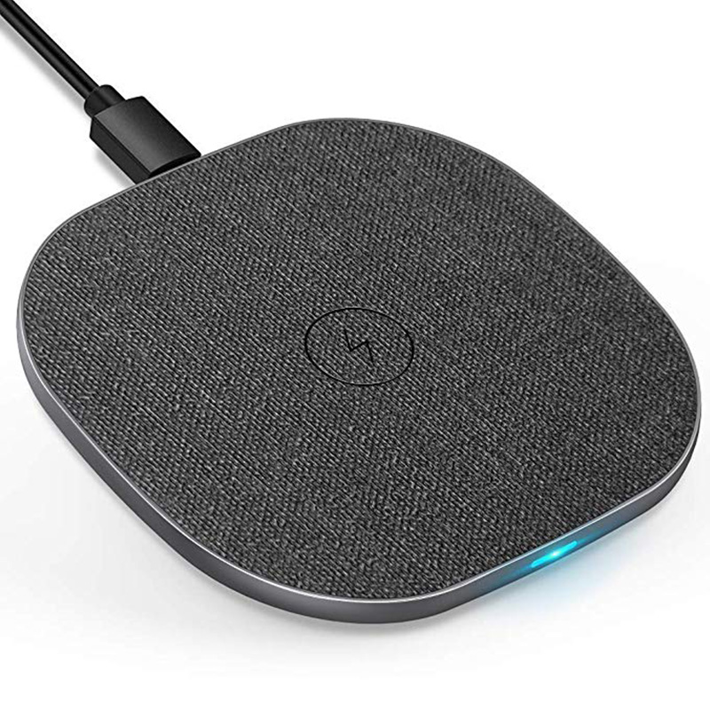 Amazon Hot Sale 10W Wireless Charging Pad Ultra Thin Round Qi Wireless Charger for <strong>Mobile</strong> <strong>Phones</strong>