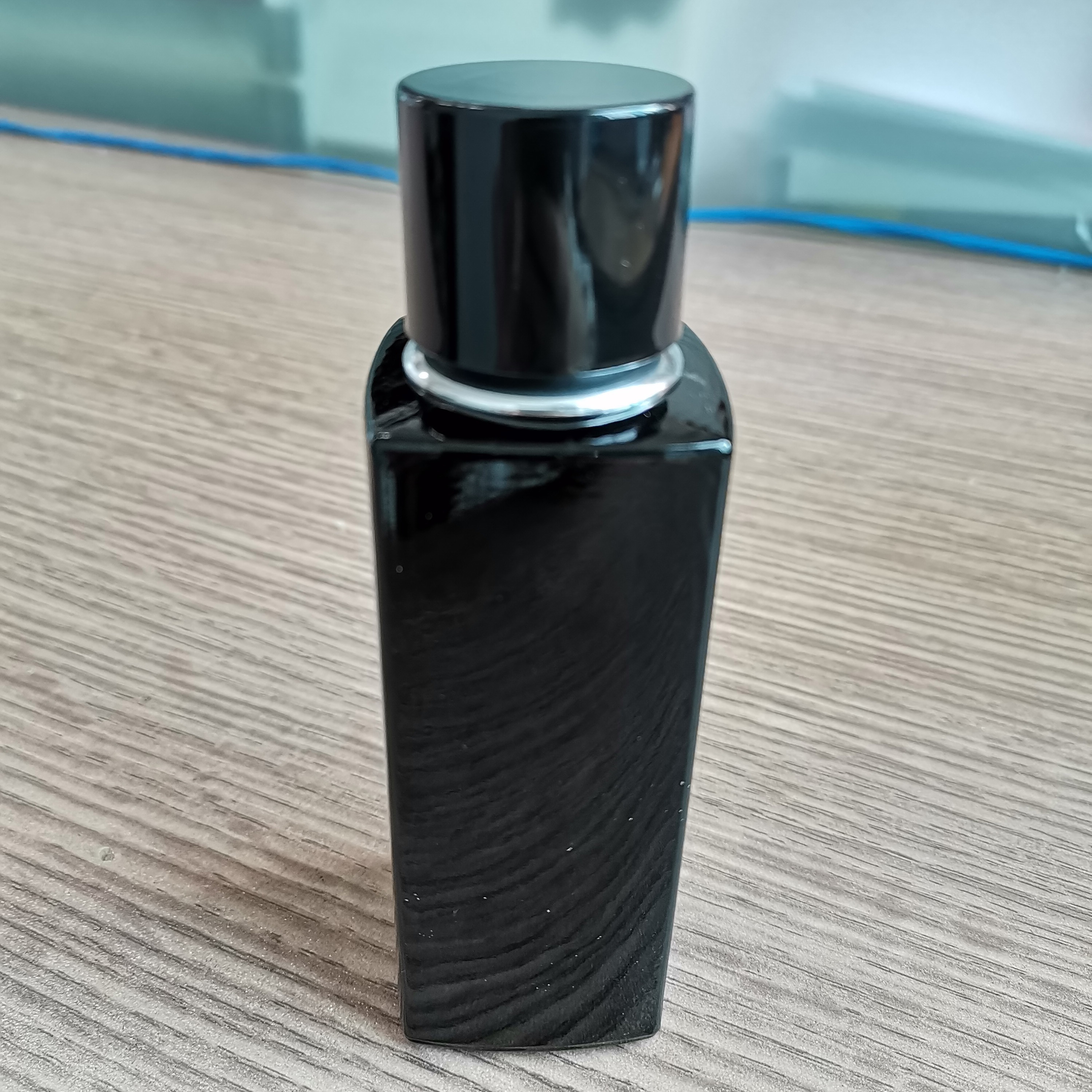High Quality Cheap Price 50ml Square Perfume Glass Bottle D514