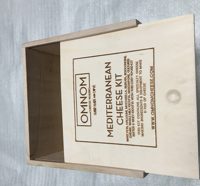 Stamped logo plywood box for gift packing