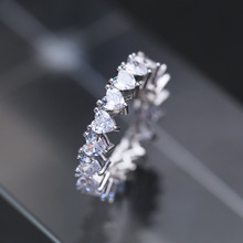 Luxury Minimalist Jewelry Heart Shaped Zircon Rings Delicate Simple Design Geometric Full Pave Cubic Zirconia Crystal Rings