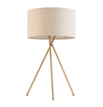 EEA Lamparas De Mesa Tischlampen Designer Hotel Nordic Study Bed Side Office Luxury Brass Fabric Tripod Table Lamp