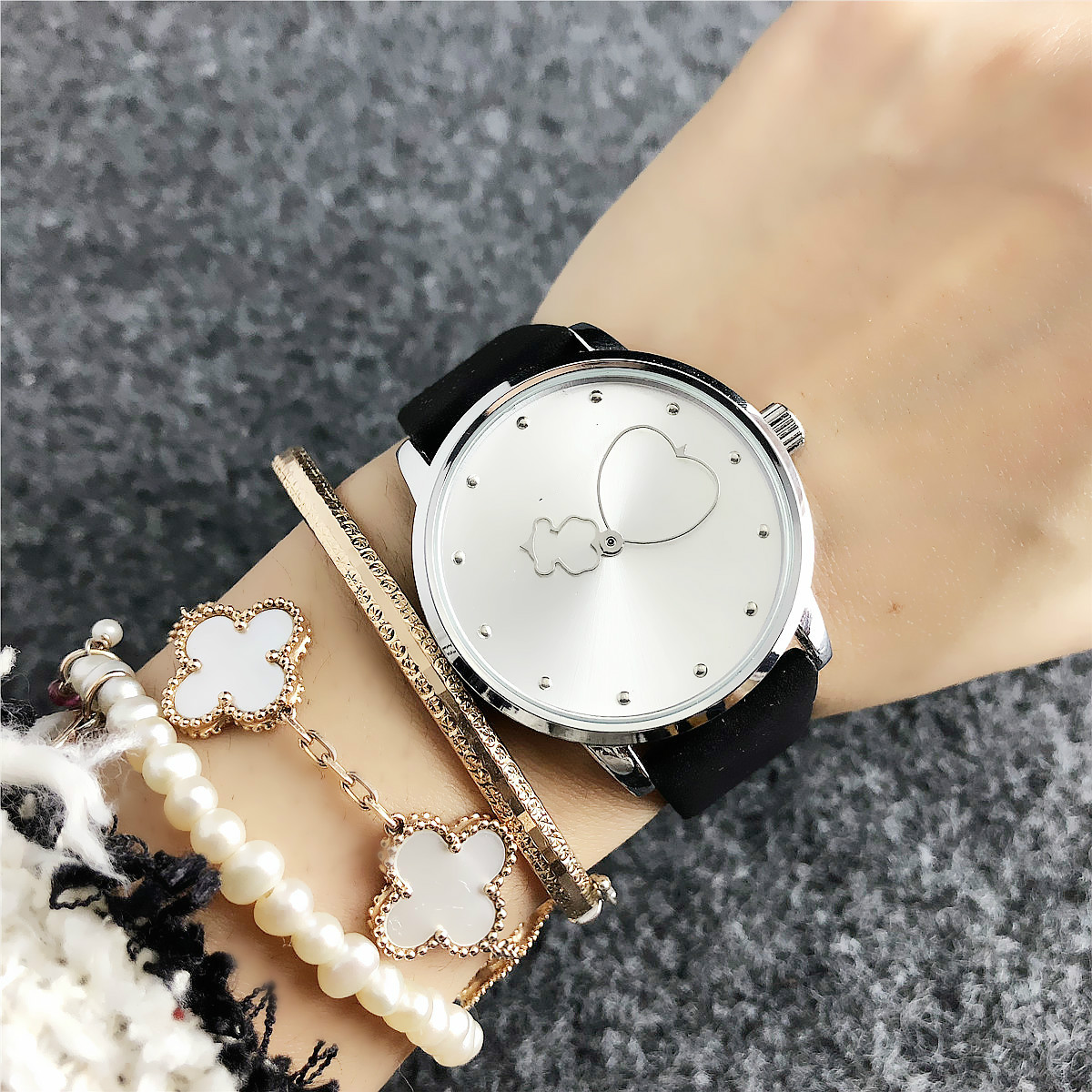 Latest Casual Fashion Girls Multi-colors  Bear Diall Watch for Students Women