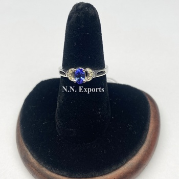 925 Sterling Silver Beautiful Tanzanite And Diamond Ring