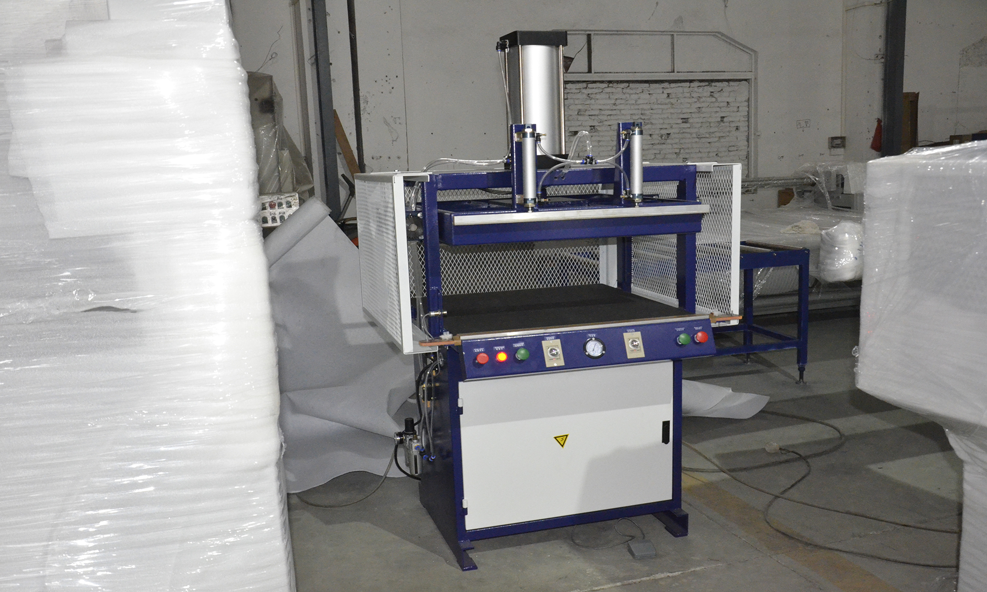 pillow type vacuum packing machine price