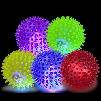 High Quality Squeaky Bouncing Rubber Bite Resistant Led Spiky Dog Pet Ball