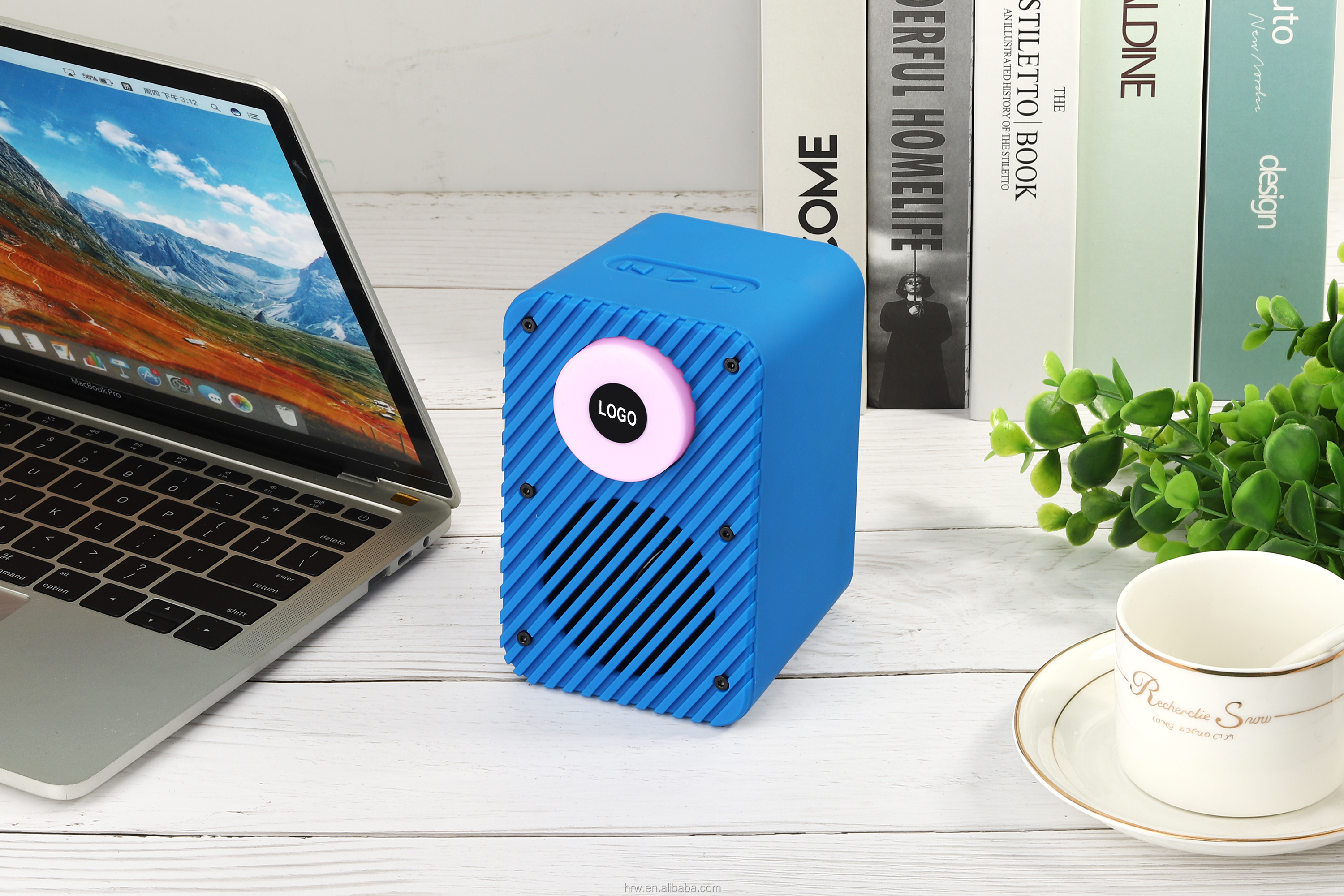 2020 New Arrivals Trending Products Wireless Portable Speaker with TF card, USB and AUX in