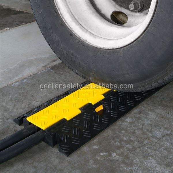 Driveway Wire 2 Channels Speed Bump Floor Guard Dog 3 Channel Rubber Cable Protector Ramp