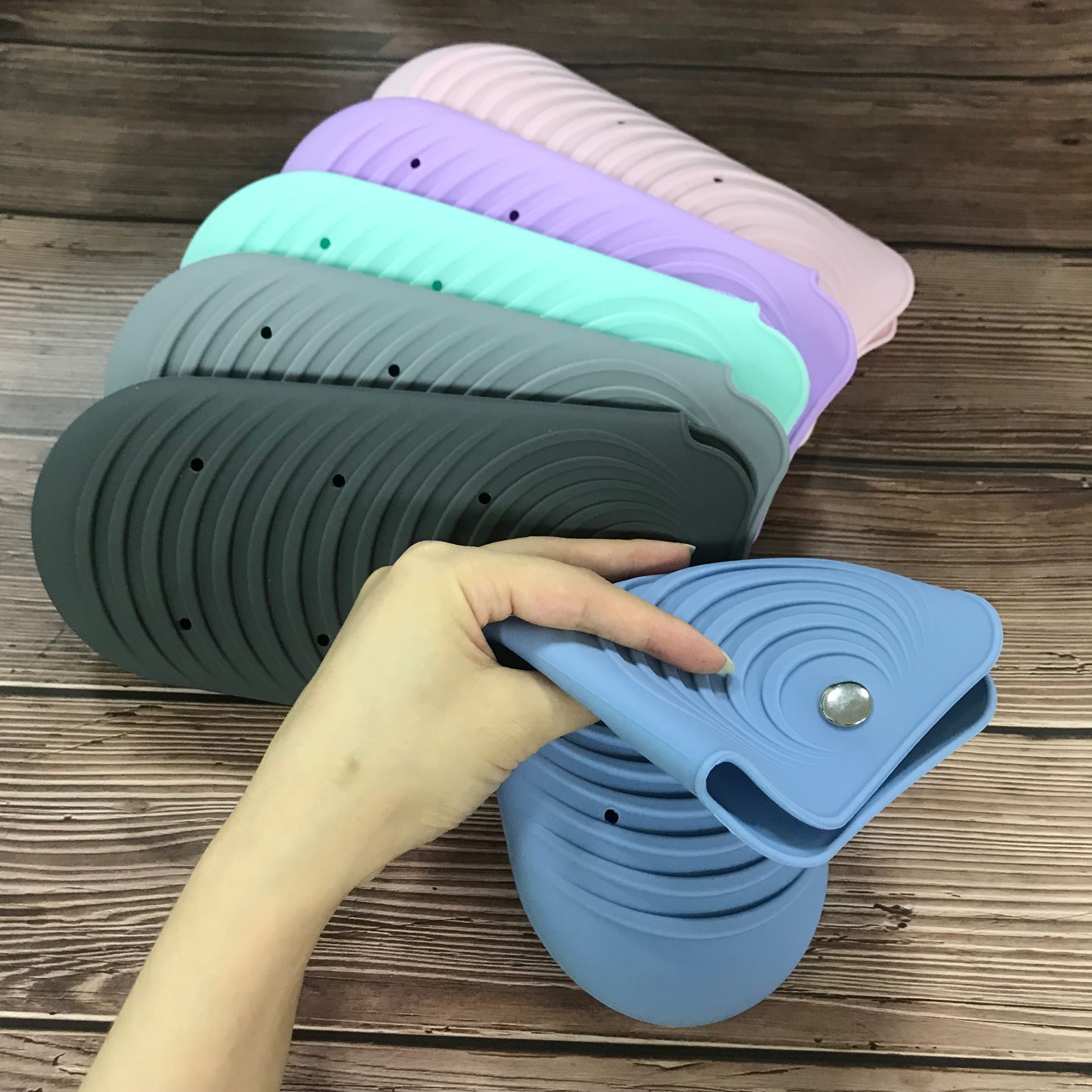 Wholesale Silicone Heat Resistant  Hair Straightener Travel Mat Pouch with button