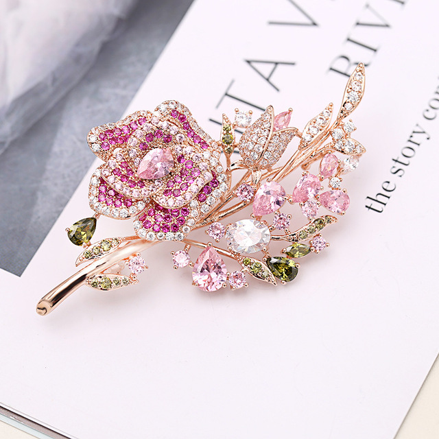 Trade Assurance Huilin Jewelry Korean new pink zircon rose brooch fashion ladies flower pin brooch for suit shirt accessories