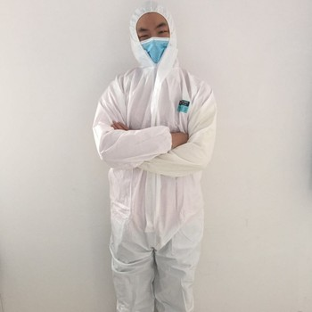 Workplace Safety Supplies lightweight waterproof microporous cheap disposable coveralls