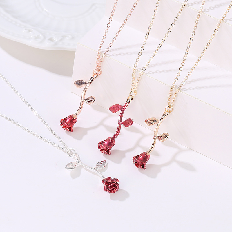 Hot <strong>Fashion</strong> Valentine's Day 3D Exquisite Rose Necklace Exquisite Three-dimensional Flower Pendant Clavicle Chain Women Wholesale