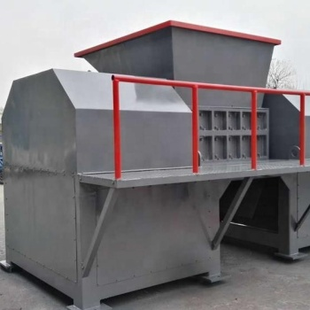 High shredding speed rubber tire shredder for sale in China