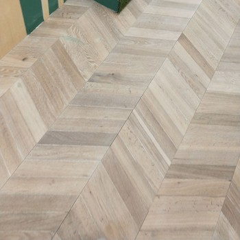 chevron Herringbone Parquet Engineered Oak Wood Flooring