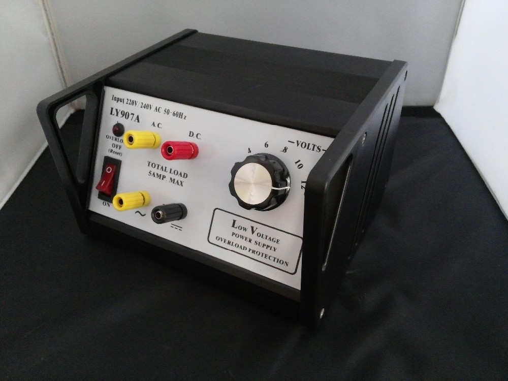 12 volt ac and dc regulated power supply