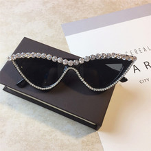 Hot Sale Designer Latest Style Cat Eye Rhinestone Bling Sunglasses Women