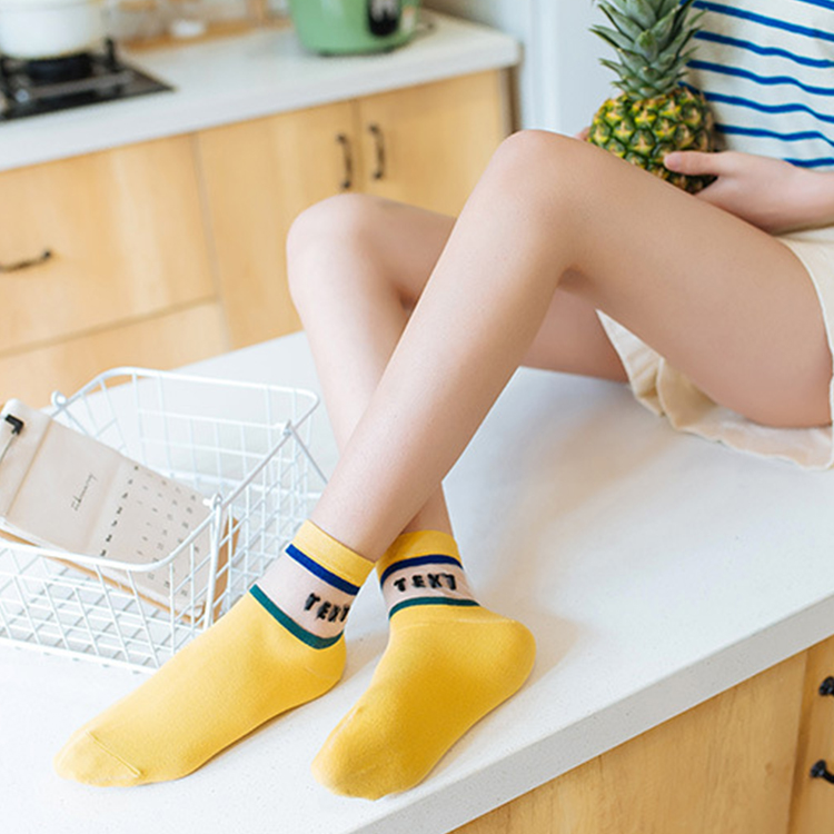 woman new product in the tube breathable fashion socks transparent glass socks sweet socks