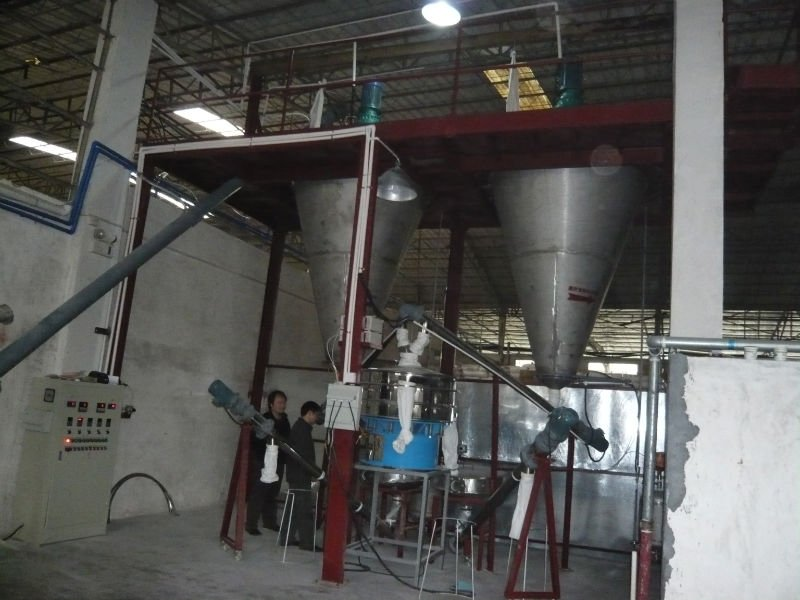 Twin screw cone mixer for powder mixing