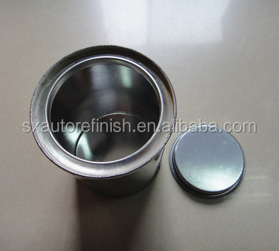Empty metal 1 liter tin cans