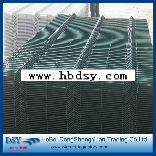 Beautiful and practical Convenient to install China Competitive Fence Wire Mesh
