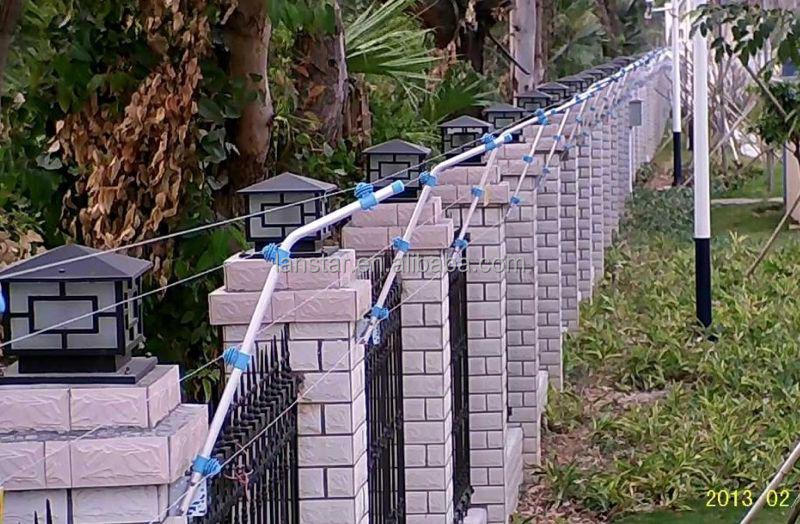 High voltage anti-climb flexible electric fence for residential use