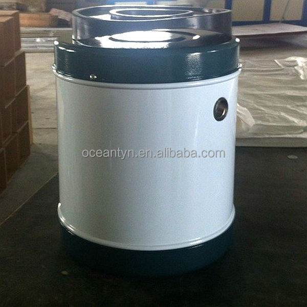 Auto feed tank for solar water heaters