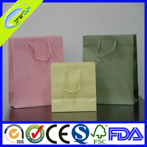 2018 new style coated bulk paper bag for garment