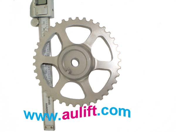 Camshaft gear : 7700 739 336 , Aulift brand car spare parts .