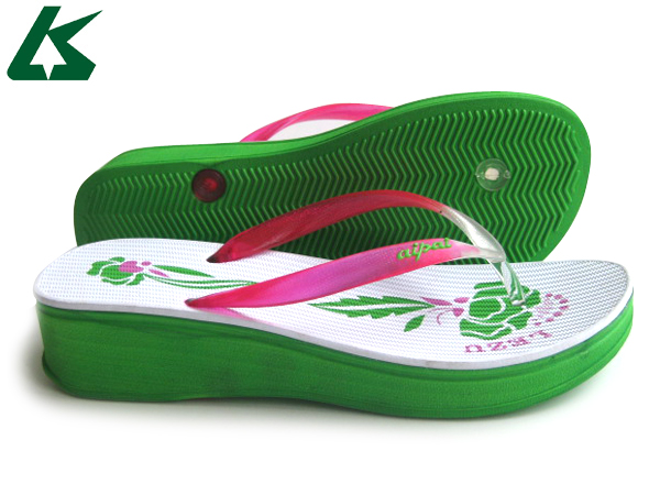 2014 ladies sandals and slippers color pictures