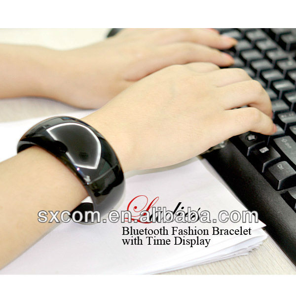 Vibrating Bluetooth Bracelet For Incoming Phone