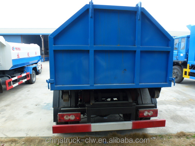 Dongfeng 95hp 5cubic small hook arm garbage truck