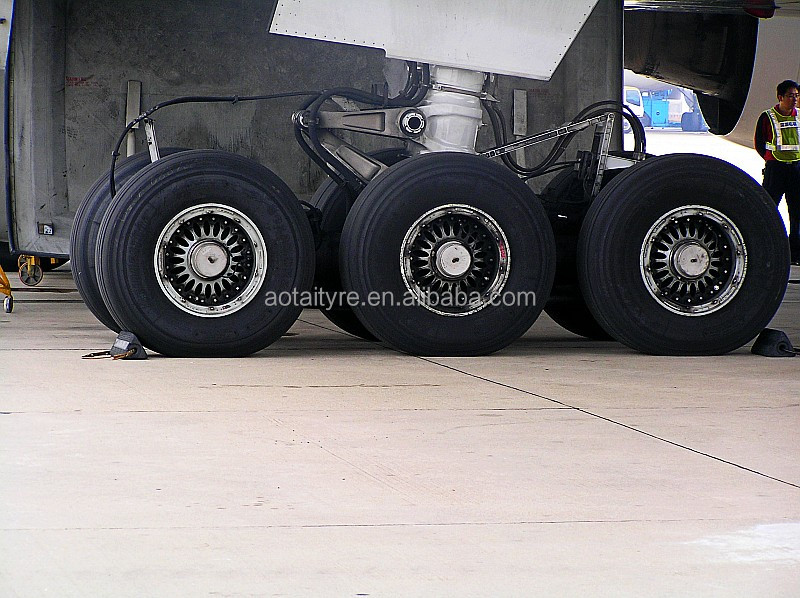 inspection of aircraft tyres Follow the tire, tube, and aircraft manufacturer's inspection criterion when inspecting aircraft tires and tubes tire mounting a licensed technician is often called upon to mount an aircraft tire onto the wheel rim in preparation for service.