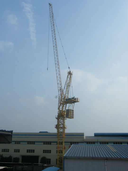 Tower Crane Manufacturer : Tons luffing crane tower building