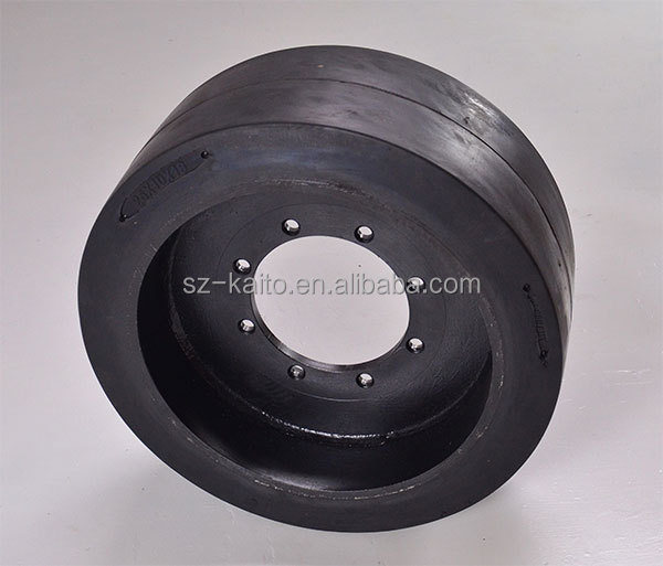 Road Leveling Equipment Thailand Rubber More Catching Ground Surface Solid Tire