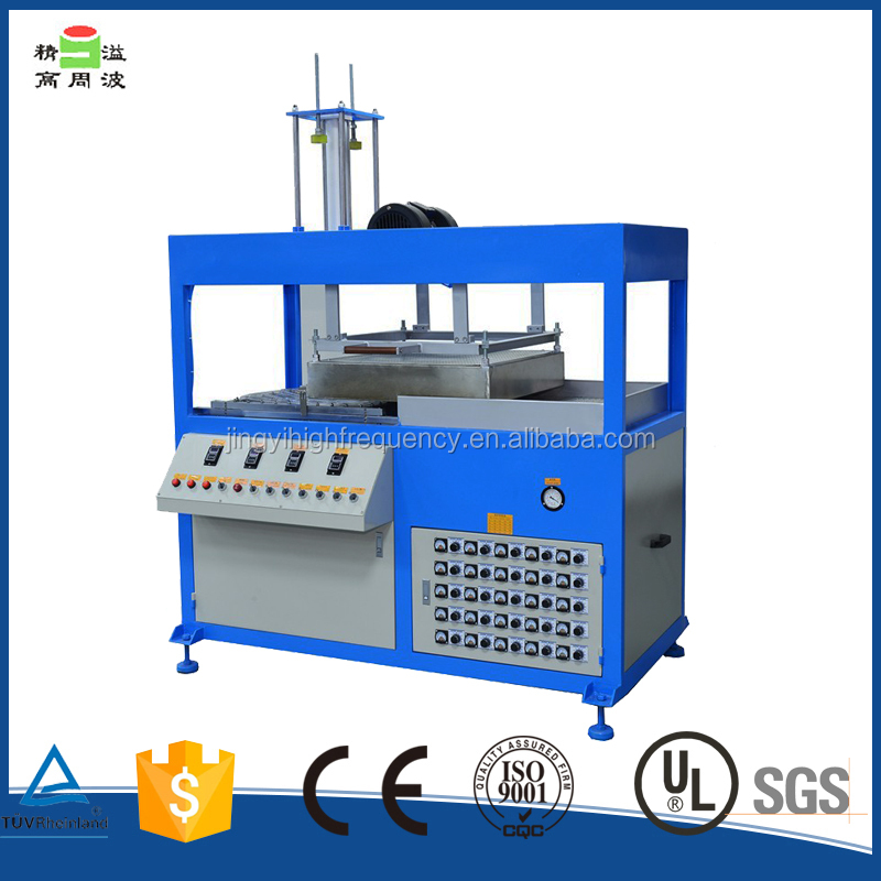 Plastic Vacuum Forming Machine making Plastic chocolate blister tray