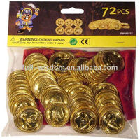 Plastic gift 72pcs gold pirate toy coins with red bag