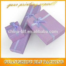 Plaid pattern paper packaging box