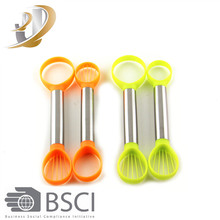 2pcs Plastic Vegetable&Fruit Cutters Multifunctional Peelers Avocado Slicer
