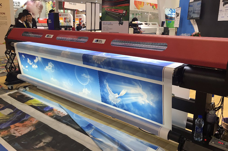UV 1260 3.2M uv roll to roll leather printer