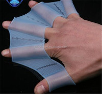 2015Wholesale high quality silicone swimming hands fins for diving
