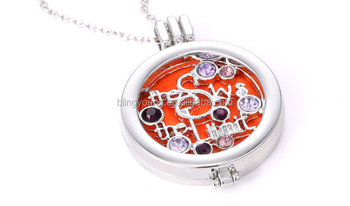 Alloy crystal hollow essential oil diffuser necklace
