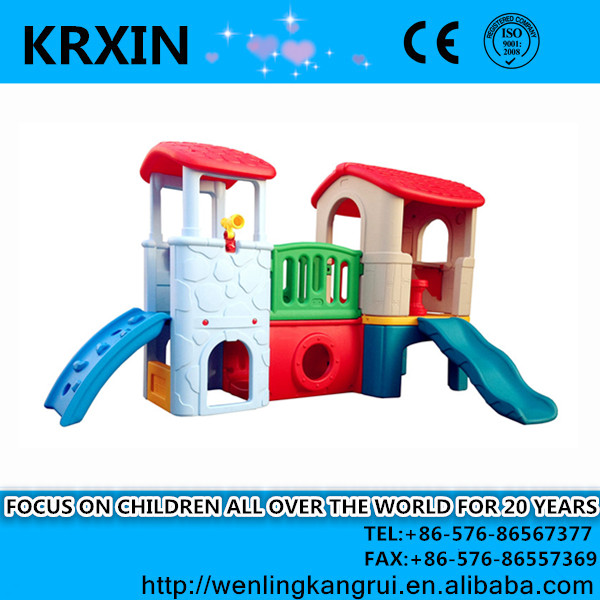 Used plastic HDPE kids playhouses / playsets indoor cheap playhouse