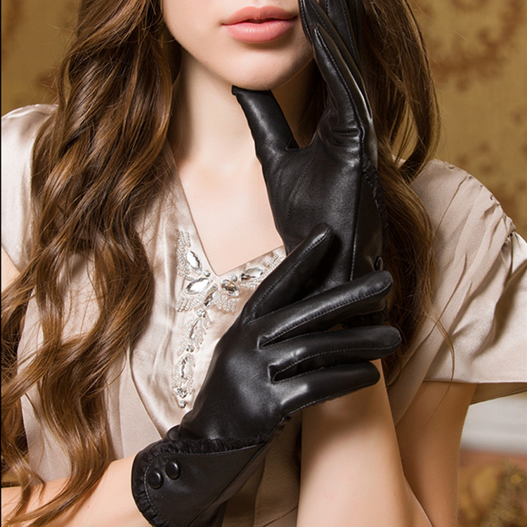China wholesale fashion lace and buttons design genuine leather gloves