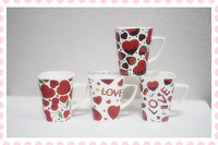 2016 square red heart design plain white bone china mugs with handle